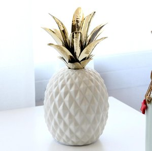 Wholesale Cute Pineapple Shape Ceramic Crafts Simple Pottery Vase Home Office Modern Decor Gift Craft