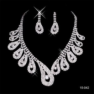 Wholesale 2020 Elegant Silver Plated Pearl Rhinestone Bridal Necklace Earrings Jewelry Set Cheap Accessories for Prom Evening