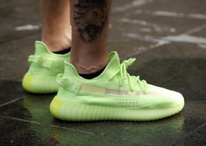 Wholesale 2019 Kanye West New Shoes Glow in the dark Neon Green Running Shoes White Static M None Reflective Men Women Sneakers