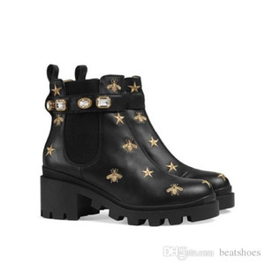 Wholesale Fashion Women Embroidered Leather Lace Ankle Boots Designer Sandals HIgh Quality Real Leather with Diamonds Decorative Girl Party Boots