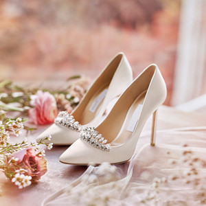 Wholesale 2019 white wedding shoes cheap but high quality Designer women silk high heel shoes in cm Point Toe Pumps size