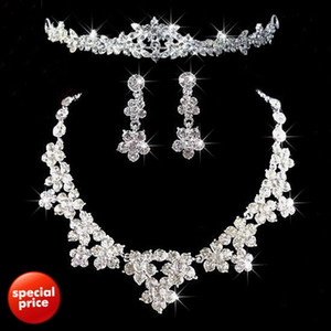 2021 Romantic Crystal Three Pieces Flowers Bridal Jewelry 1 Set Bride Necklace Earring Crown Tiaras Wedding Party Accessories Free Shipping