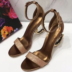 Wholesale The new European style classic slipper Metallic high heeled sandals lady shoes Paris supermodel catwalk buckle size40