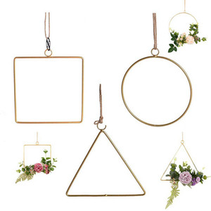 quadrado triangular pendente venda por atacado-Round Square Triangle metal geométrica Hoop Wreath Frame Muro Garland Flower Artificial pendurado pingente de Home Kitchen Decoration Art