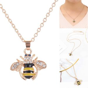 Wholesale Lovely Animal Honey Bee Crystal Pendant Sweater Chain Necklace Jewelry Shellhard Cartoon Vintage Bee Link Chain Cute Jewelry