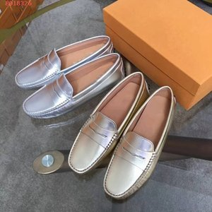 Wholesale Women casual flat sneakers iconic rubber pebble outsole girls fashion soft soled driving shoes hand stitchingmetallic leather loafers