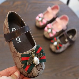 Wholesale Kids Designer Princess Leather Shoes Girls Luxury Flat Shoes Children Fashion Print Casual Shoe Bee Decoration Spring New Trend