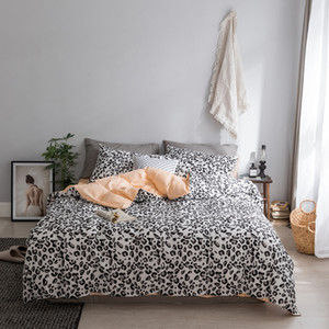 Wholesale 2018 bedding set Black and white Leopard Print bed linens fashion bedsheet duvet cover fitted sheet pillowcases cotton