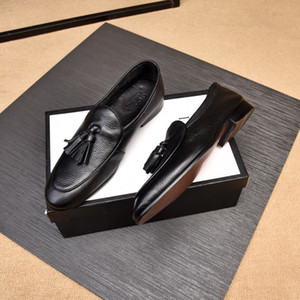 Wholesale Classic Tassel Men Shoes Breathable Comfortable Men Loafers Luxury Brands Men Designer Dress Shoes For Wedding Dating Men s Flats