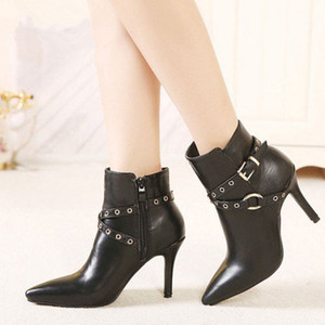 Wholesale black Genuine leather designer latest fashion ankle boots heel height of cm shoe barrel height of cm