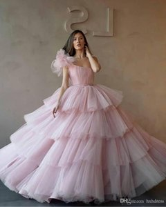 Wholesale New One Shoulder Ball Gowns Quinceanera Dresses Tulle Tiered Cupcake Formal Long Prom Dresses Sweet Age Vestidos De Quinceanera prom