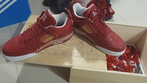 High Quality 4s China Red Man Shoe Congratulations And Fortune Engraving Jogging Shoe Sale With Wood Box