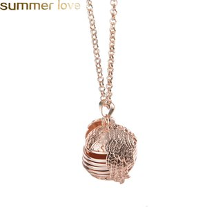 Wholesale 2019 New Magic Photo Pendant Memory Floating Locket Necklace Plated Angel Wings Oil Diffuser Flash Box Fashion Album Box Necklaces for Women