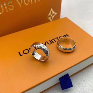 Wholesale 2019 Sterling Silver American Europe vintage jewelry brand designer antique silver band Louis ring for men women s gift l v