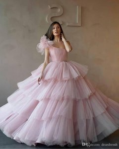 Wholesale One Shoulder Ball Gowns Quinceanera Dresses Tulle Tiered Cupcake Formal Long Prom Dresses Sweet Age Vestidos De Quinceanera