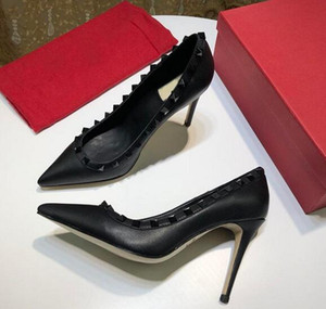 Wholesale Women Dress Shoes rock Patent High Heels stud Pumps Rivets Real Leather Pointed Toe Wedding Shoes Gift Valentine Party Shoes Brand Box