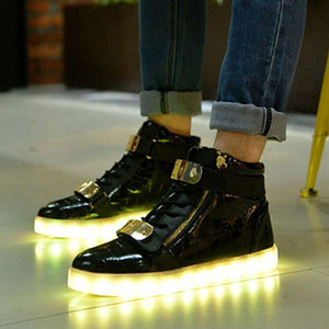 Wholesale New Colors Flashing Casual Glowing Light up Shoes fon USB Charging High Top Luminous LED Light Shoes