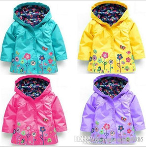 2018 new children's wear children's coat girls lovely flowers windbreak and rain proof clothes. on Sale
