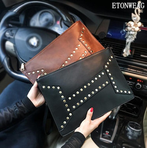 Wholesale Factory men handbag stylish cool rivet punk hand clutch bag vintage leather wrist bag imitation old leather hand clutch envelope b