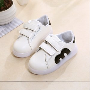 Wholesale Girls leather sandals 2018 new Korean version of the summer princess shoes children beach pupils fish flat shoes