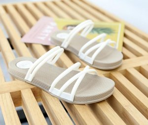 Factory direct sales clothing summer Rome Sandals Women shoes men 2019 New Wild Flat Sandals Slippers