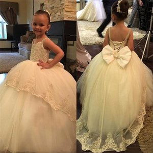 Wholesale Princess Flower Girls Dresses Weddings Spaghetti Straps Lace Appliques Beaded Big Bow Birthday Children Girl Pageant Gowns