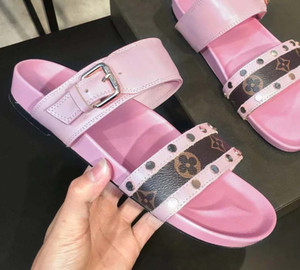 2019 new Designer Shoes Women BOM DIA FLAT MULE Slide Sandal Fashion Lady Letter Print Leather Rubber Sole Slipper with 35-40 with box L7