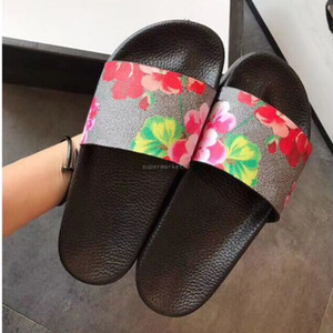 Wholesale comfort sandals resale online - Best Mens Womens Summer Sandals Beach Slide Casual Slippers Ladies Comfort Shoes Print Leather Flowers Bee With Box