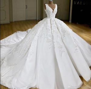 Wholesale 2020 Super Ball Gown Real Images Wedding Dresses V Neck Sleeveless Satin Applique Lace Custom Made Bridal Gowns