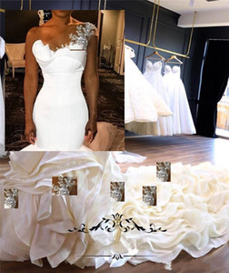 2020 Elegant Sexy Mermaid Wedding Dresses One Shoulder Silver Lace Appliques Ruffles Tiered Wedding Bridal Gowns Plus Size Bride Dress