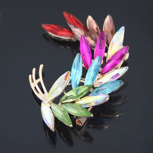 Wholesale Pretty Peacock Feathers Colorful Feather Brooch Delicate Leaf Boutonniere Clear Rhinestone Crystal Brooch Pins