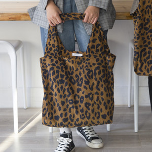 Wholesale 2019 Autumn and winter explosions Leopard print corduroy cloth bag special offer large capacity shopping bags Factory direct