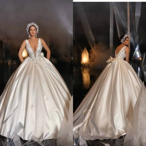 Vintage Satin Ball Gown Wedding Dresses Lace Appliques Beads Deep V Neck Dubai Church Wedding Gown Sweep Train Princess Bridal Dress
