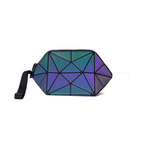 Wholesale High Quality PU New Diamond lattice Korean girl s bag Noctilucent Semi circle cosmetic bag Discoloration Irregular geometry Shell type bags