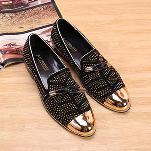 Hot Sale Casual Formal groomsmen Shoes For Men Black Genuine Leather Tassel Men Wedding groom Shoes Gold Metallic Studded Loafers 3 Colors