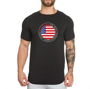 2019 gym Men's plain color, loose breathable sport T-shirt with round collar and casual T-shirt with short sleeves and irregular flag printi