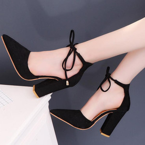 Wholesale Ladies fashion casual shoes Summer Sandals Slipper Beach shoes Black Red Grey Non slip rubber sole Women Dress shoes Work Chunky Heel Q961