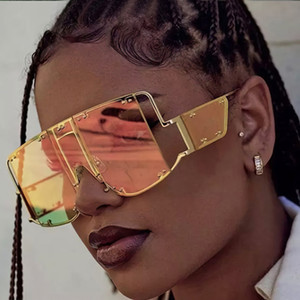 Wholesale OEC CPO Fashion Square Sunglasses Women New Oversized Mirror Men Shades Glasses Luxury Metal Rivet Trend Unique Female EyewearL59