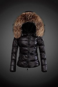 Wholesale 2018 New brand woman fashion Luxury short down jacket real Raccoon fur collar hoodies parkas Top down coat brand parkas