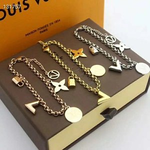 Wholesale Hot V Shape Flower Jewelry colors Desginer Women Bangles Classic charm Bracelets Bangle Letter Buckle Bracelet New Style Bracelets
