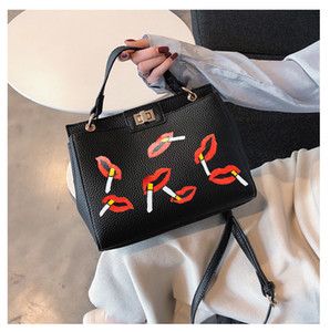 Hot Design Women Pu Leather Lock Litchi Hand Draw Smoking Lips Printed Shoulder Bag Painted Art Bags Messenger Bag