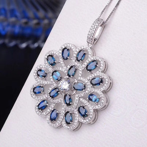 Wholesale Handmade Fine18K Gold Natural Blue Sapphire Pendant Group Mosaics Blooming Flowers Very Beautiful And Precious Valentine s Day Gift