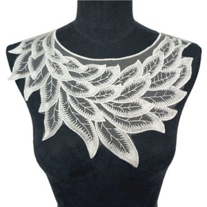 Wholesale 30CM White Embroidered Lace Feather Leaf Collar Appliques Vintage Mesh Trims Sew On Patch For Wedding Evening Dress DIY