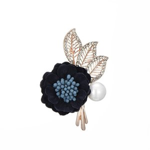 Wholesale New Cloth Flower Brooch Lady Pearl Set Diamond Alloy High grade