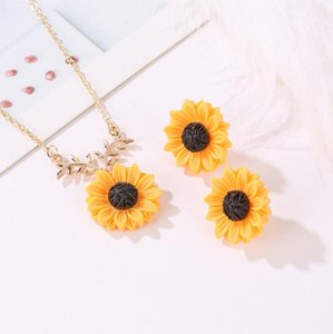 Wholesale golden earrings studs for sale - Group buy New Fashion Sun flower Earrings Necklace Jewelry Sets Feminine Fashion Sunflower Stud Necklace Jewelry