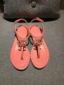 Wholesale New European classic luxury goods style ladies sandals shoes pure leather genuine gold letters decorative buckles