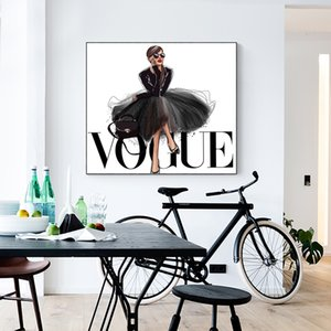 Wholesale LECHAO Quadro Fashion Figure Posters and Prints Vogue Wall Art Painting on Canvas Picture Home Decor No Frame