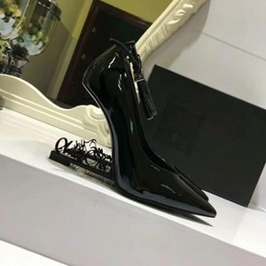 Wholesale 2019 Wedding Bridal Shoes Unique Heels Dress Shoes Patent leather Sexy Pointed toe In Stock Wedding Party Shoes T Show Hot Sale