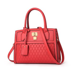 designer luxury handbags purses The single shoulder bag New fashion Lingge large capacity handbag in autumn 2019 on Sale