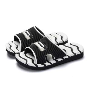 Children Slippers Boy Indoor Antiskid Sandals Soft and Comfortable Black White Pink Stripe Girls Beach Shoe 2019 Summer Slippers #10